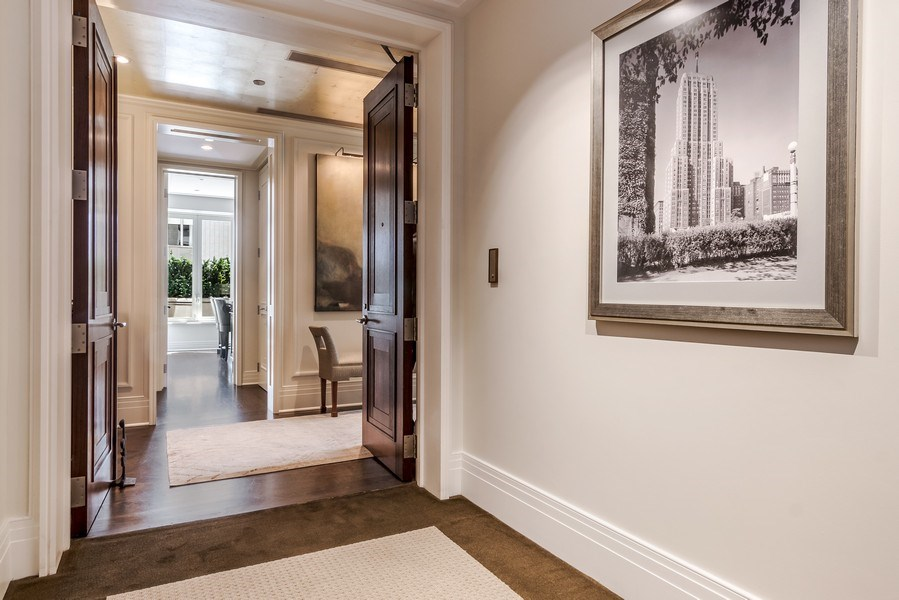 Real Estate Photography - 159 Walton, unit 11-F, CHICAGO, IL, 60611 - Entryway