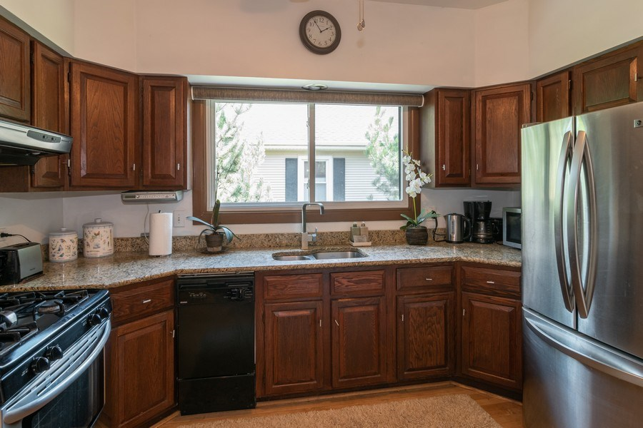 Real Estate Photography - 94 Northgate Rd, Riverside, IL, 60546 - Kitchen