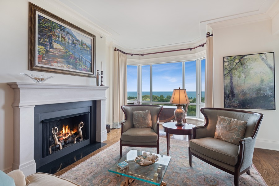 Real Estate Photography - 2550 N Lakeview, Unit S1205, Chicago, IL, 60614 - Living Room