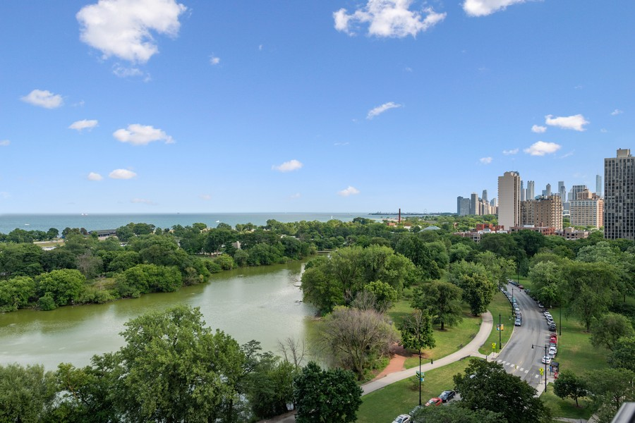 Real Estate Photography - 2550 N Lakeview, Unit S1205, Chicago, IL, 60614 - View