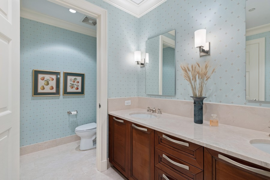Real Estate Photography - 2550 N Lakeview, Unit S1205, Chicago, IL, 60614 - Master Bathroom