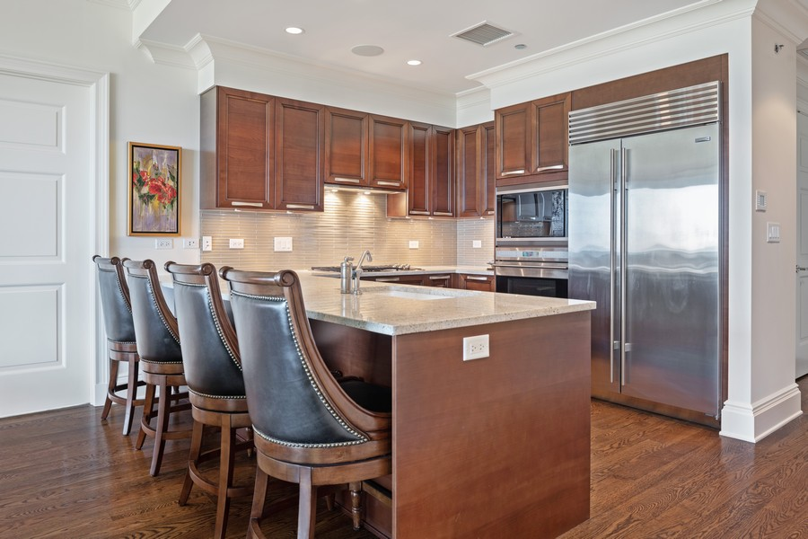 Real Estate Photography - 2550 N Lakeview, Unit S1205, Chicago, IL, 60614 - Kitchen