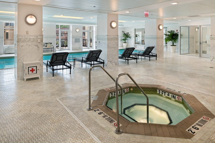 Real Estate Photography - 2550 N Lakeview, Unit S1205, Chicago, IL, 60614 - Pool