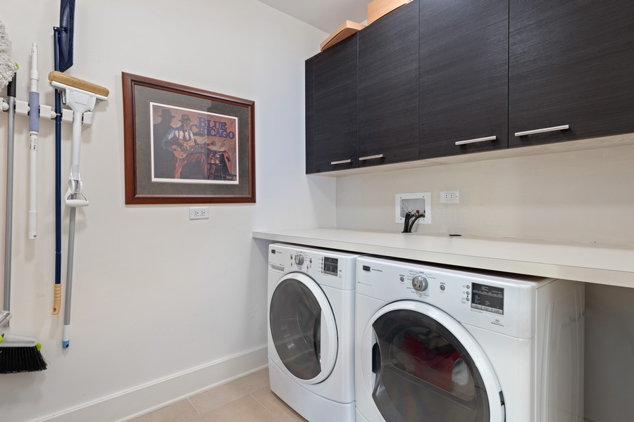 Real Estate Photography - 2550 N Lakeview, Unit S1205, Chicago, IL, 60614 - Laundry Room