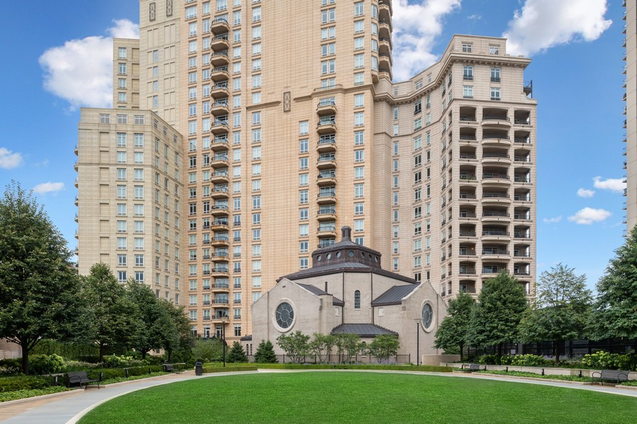 Real Estate Photography - 2550 N Lakeview, Unit S1205, Chicago, IL, 60614 - Rear View