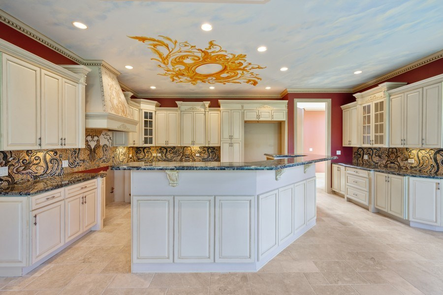 Real Estate Photography - 19 Rolling Hills Dr, Barrington Hills, IL, 60010 - Kitchen