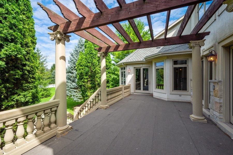 Real Estate Photography - 19 Rolling Hills Dr, Barrington Hills, IL, 60010 - Deck
