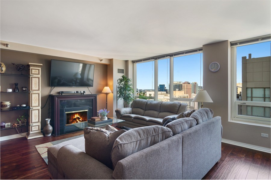 Real Estate Photography - 33 W Ontario St, Apt 30H, Chicago, IL, 60654 - Living Room