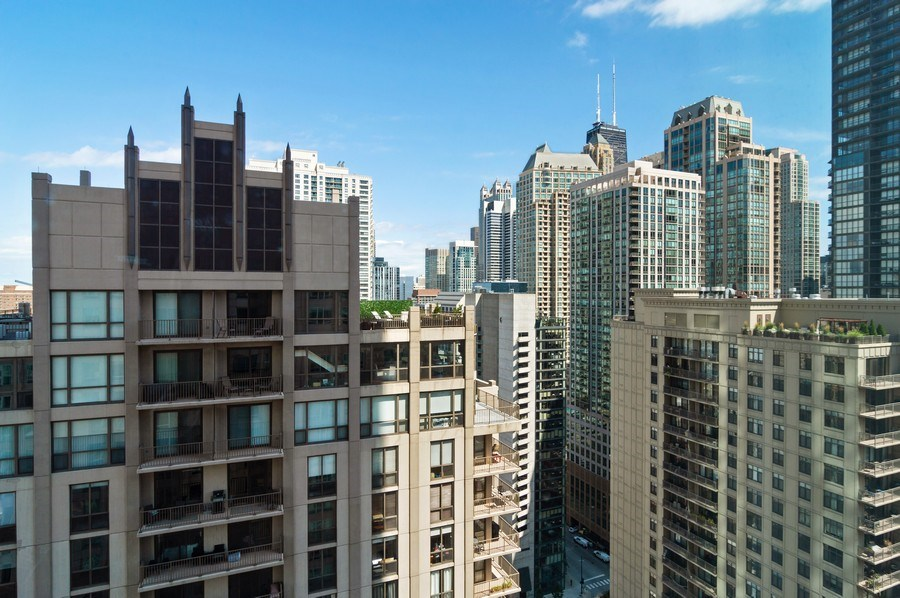 Real Estate Photography - 33 W Ontario St, Apt 30H, Chicago, IL, 60654 - City View