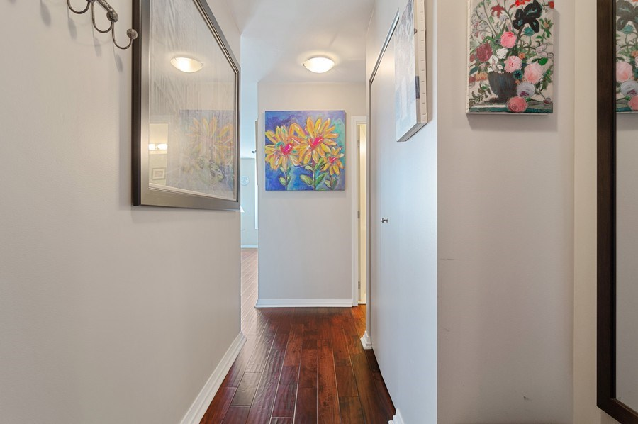 Real Estate Photography - 33 W Ontario St, Apt 30H, Chicago, IL, 60654 - Foyer