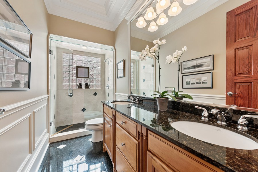 Real Estate Photography - 1359 N Mohawk Ave, Unit 4, Chicago, IL, 60610 - 4th Bathroom
