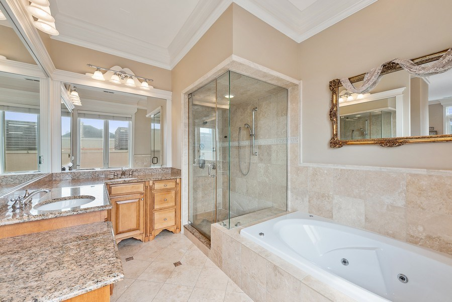 Real Estate Photography - 1359 N Mohawk Ave, Unit 4, Chicago, IL, 60610 - Master Bathroom