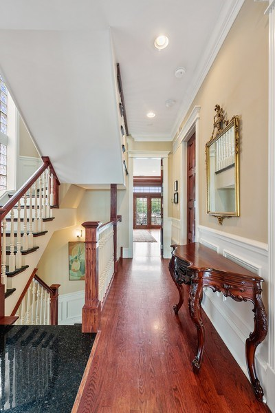 Real Estate Photography - 1359 N Mohawk Ave, Unit 4, Chicago, IL, 60610 - Foyer