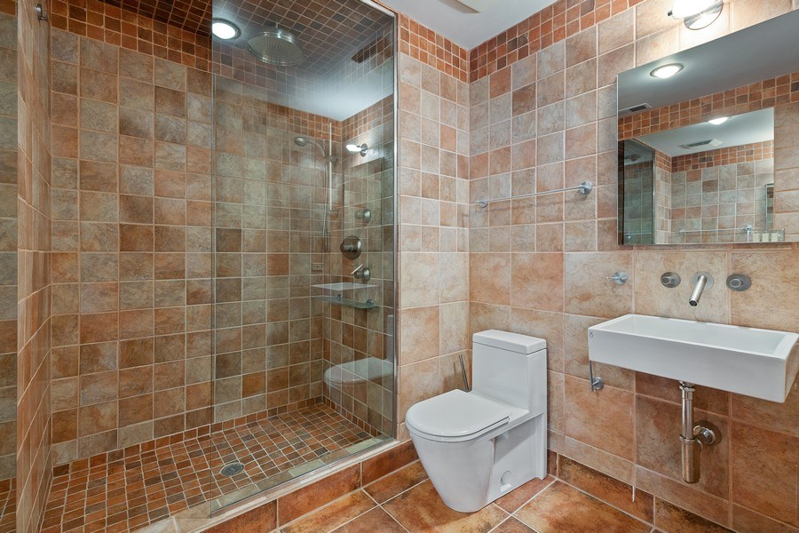 Real Estate Photography - 400 N Racine, 219, Chicago, IL, 60642 - 2nd Bathroom