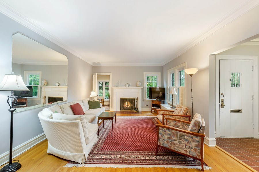 Real Estate Photography - 2131 Lincolnwood, Evanston, IL, 60201 - Living Room