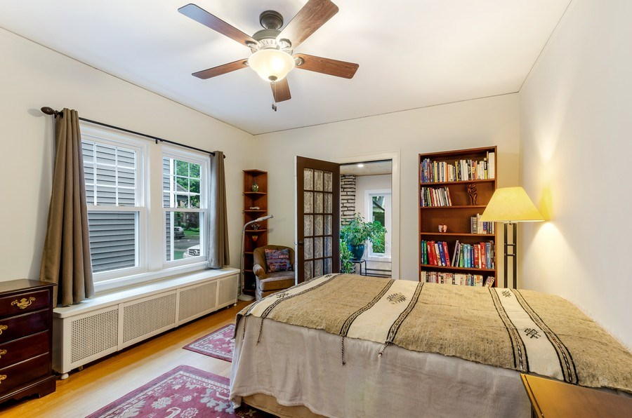 Real Estate Photography - 2131 Lincolnwood, Evanston, IL, 60201 - Master Bedroom