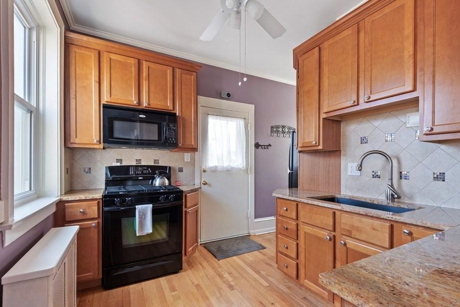 Real Estate Photography - 809 Ridge, Unit 3, Evanston, IL, 60202 - Kitchen