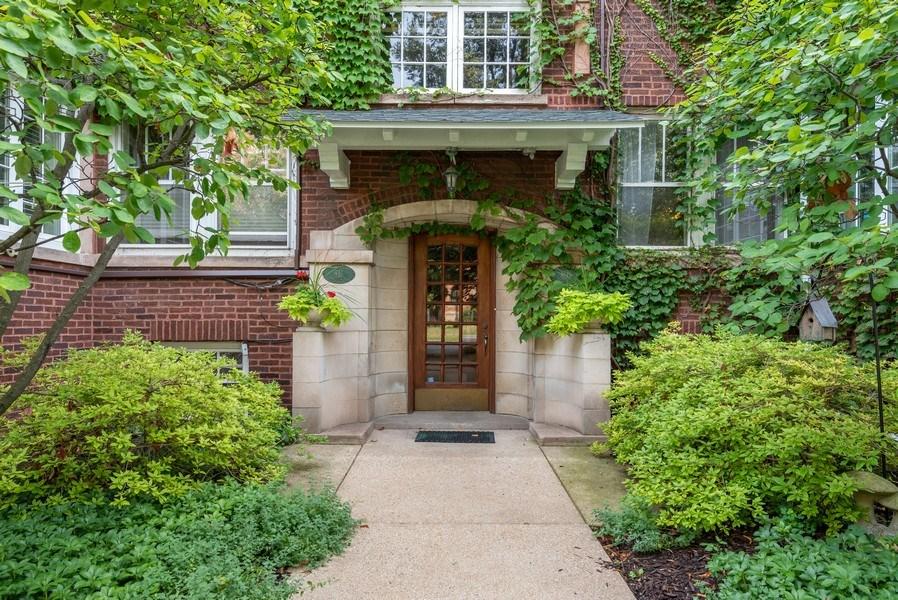 Real Estate Photography - 809 Ridge, Unit 3, Evanston, IL, 60202 - Front View