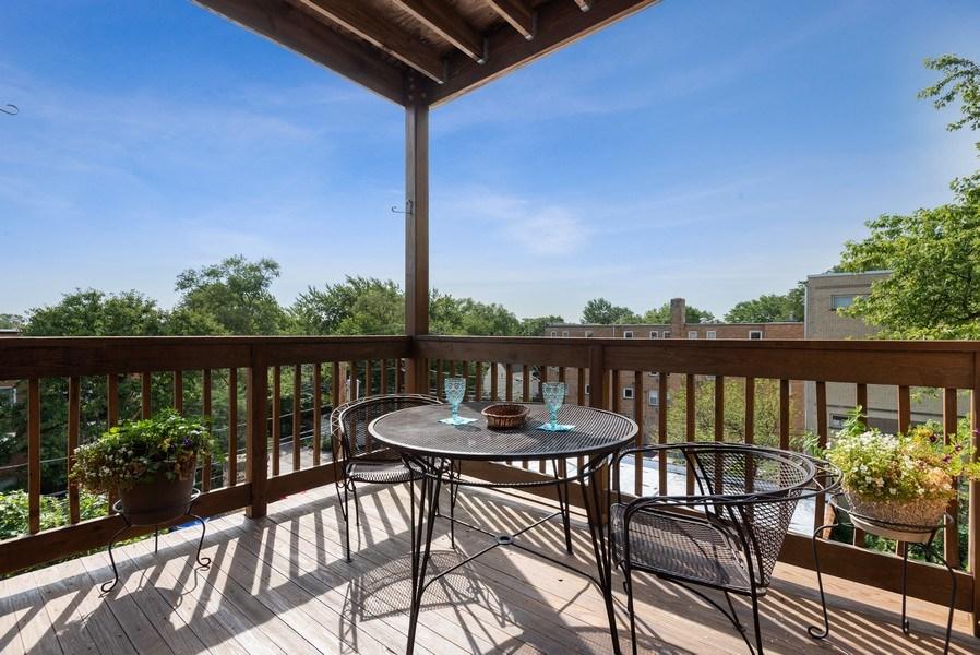 Real Estate Photography - 809 Ridge, Unit 3, Evanston, IL, 60202 - Deck