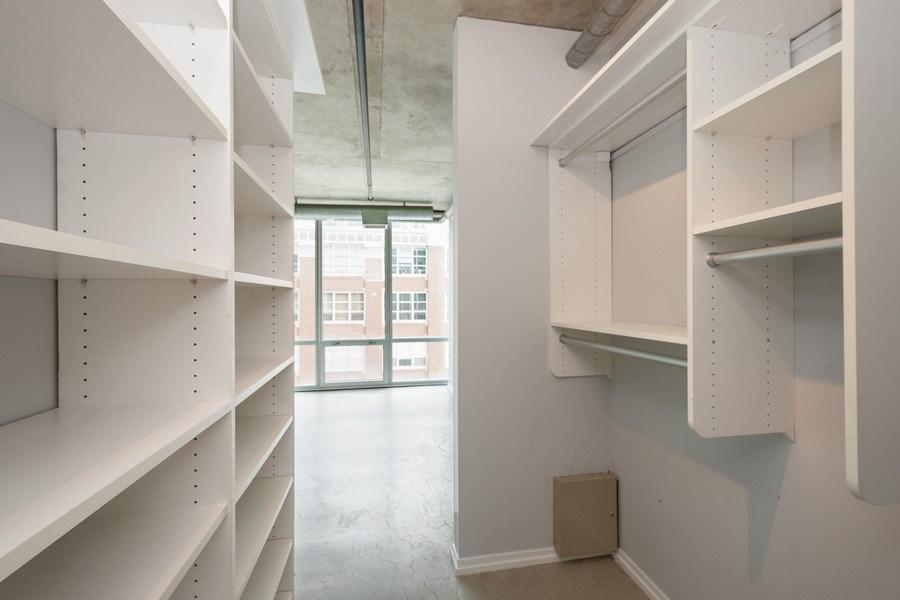 Real Estate Photography - 700 W Van Buren St, Unit 703, Chicago, IL, 60607 - Closet