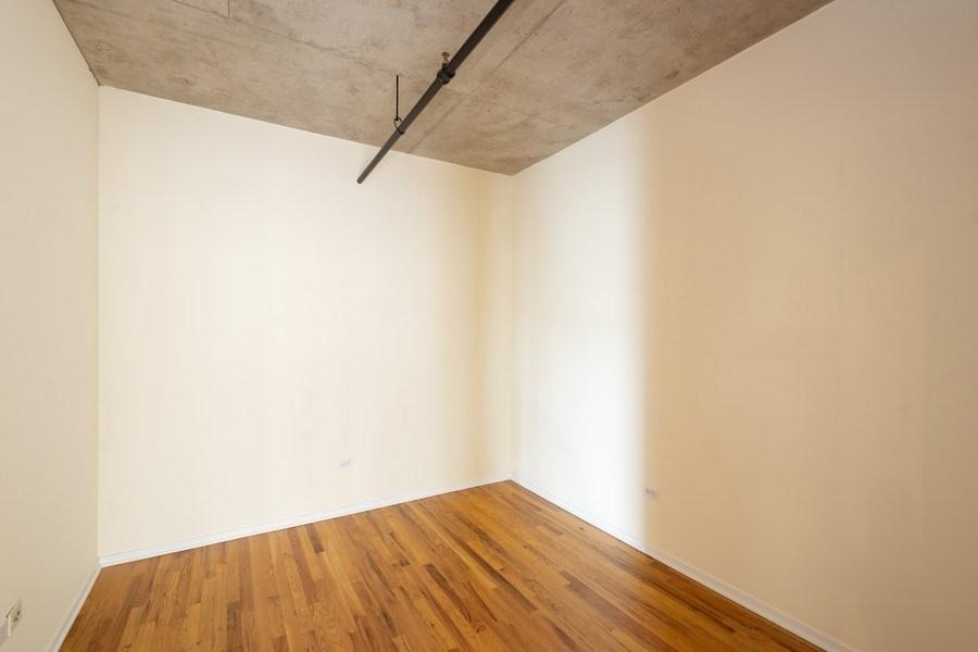 Real Estate Photography - 700 W Van Buren St, Unit 703, Chicago, IL, 60607 - Den