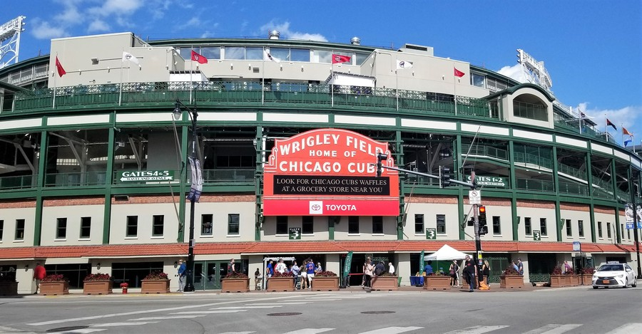 Real Estate Photography - 3652 N Fremont, Unit 3, Chicago, IL, 60613 - Wrigley Field