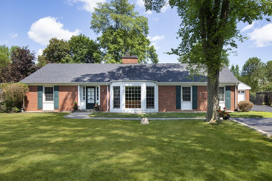 Real Estate Photography - 1215 Hill Road, Winnetka, IL, 60093 - Front View