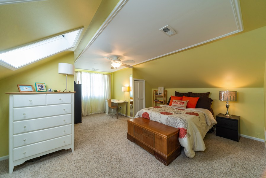 Real Estate Photography - 105 Imperial, Park Ridge, IL, 60068 - Master Bedroom
