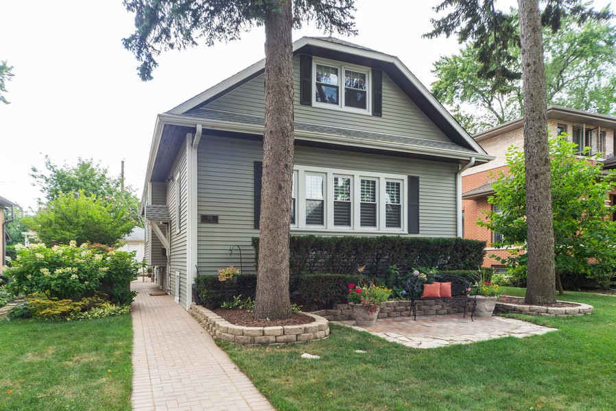 Real Estate Photography - 105 Imperial, Park Ridge, IL, 60068 - Front View