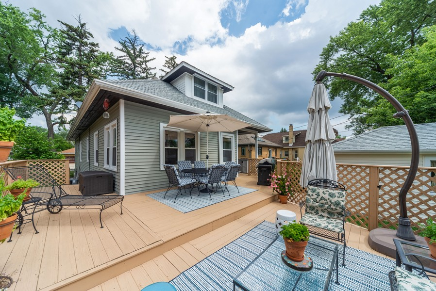 Real Estate Photography - 105 Imperial, Park Ridge, IL, 60068 - Deck