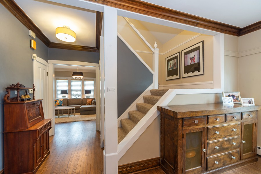 Real Estate Photography - 105 Imperial, Park Ridge, IL, 60068 - Staircase