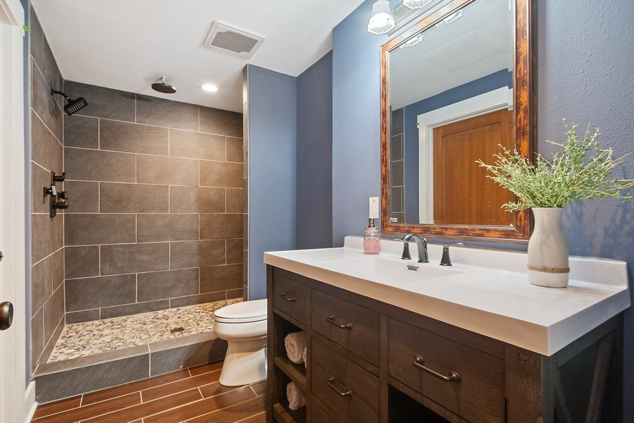 Real Estate Photography - 13113 Charleston St, Caledonia, IL, 61011 - 4th Bathroom