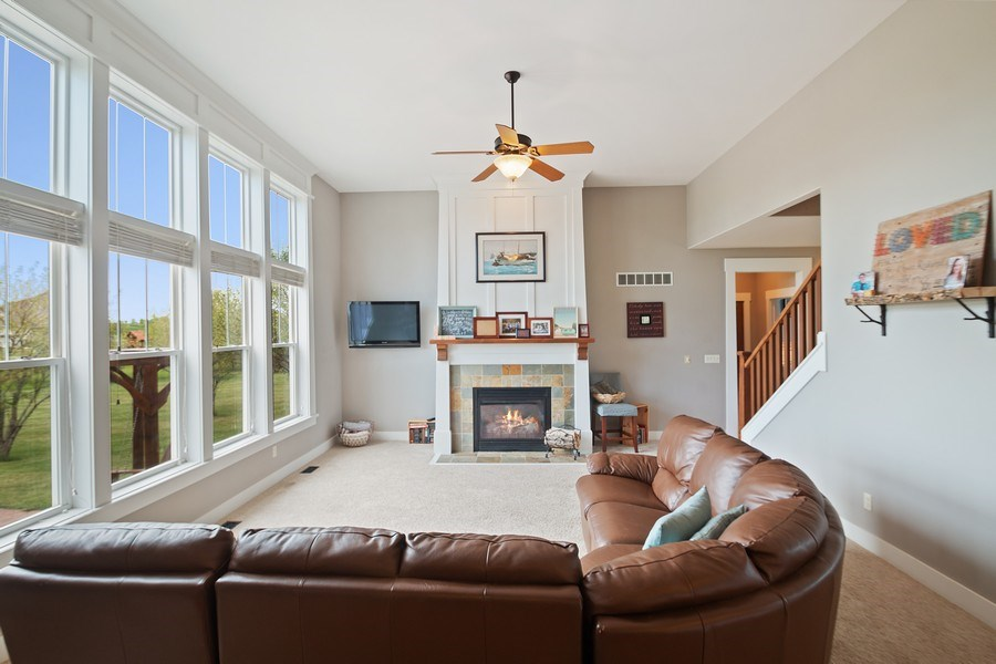 Real Estate Photography - 13113 Charleston St, Caledonia, IL, 61011 - Living Room