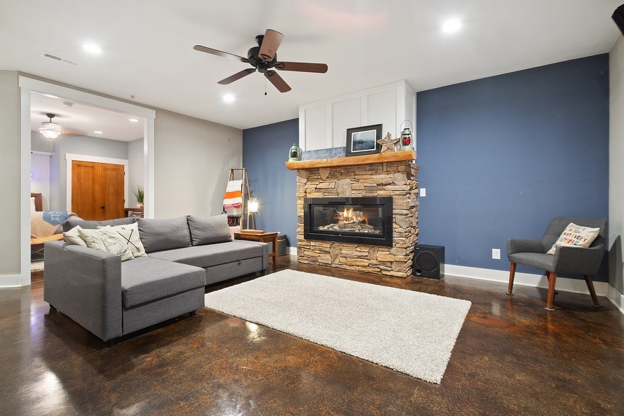 Real Estate Photography - 13113 Charleston St, Caledonia, IL, 61011 - Family Room