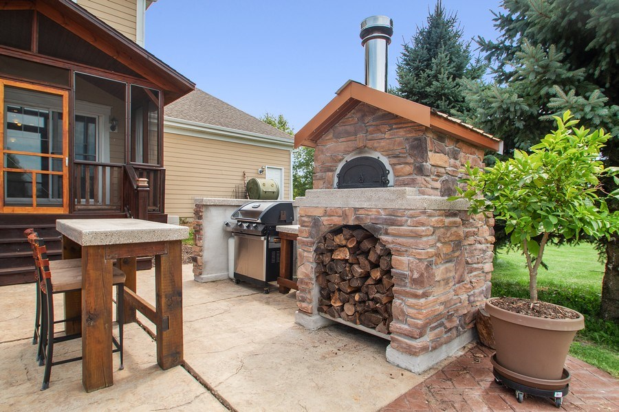 Real Estate Photography - 13113 Charleston St, Caledonia, IL, 61011 - Patio