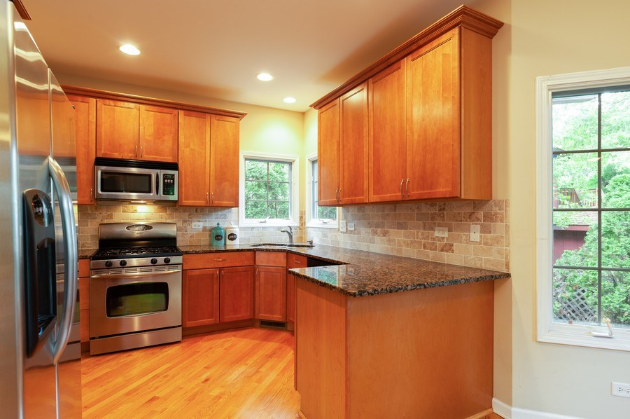 Real Estate Photography - 128 Bluff Ave, Grayslake, IL, 60030 - Kitchen