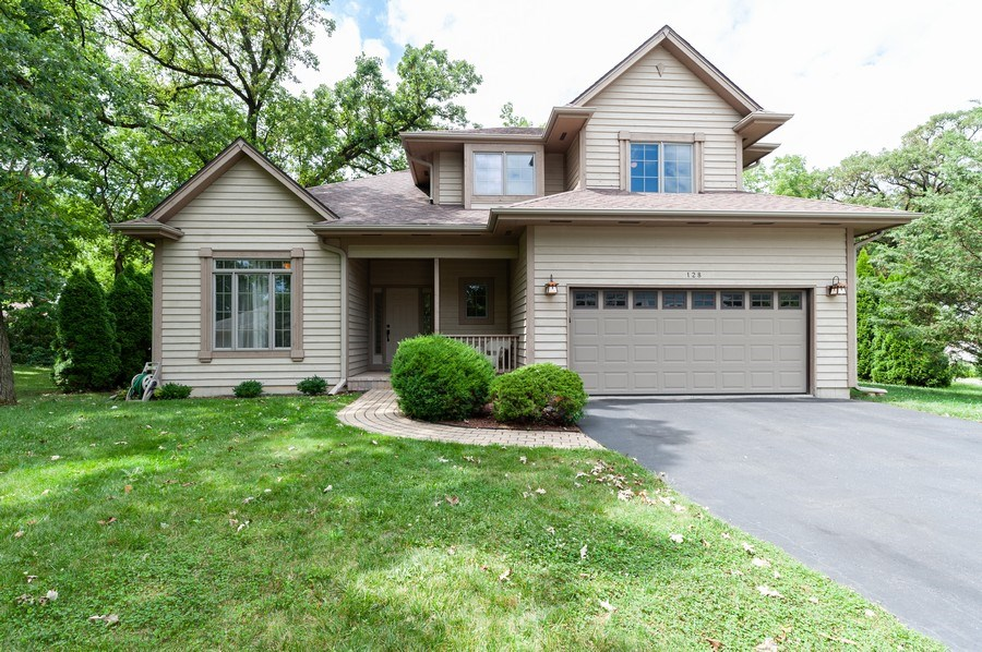 Real Estate Photography - 128 Bluff Ave, Grayslake, IL, 60030 - Front View