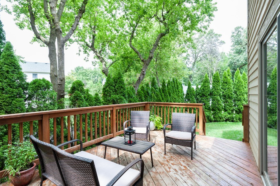 Real Estate Photography - 128 Bluff Ave, Grayslake, IL, 60030 - Deck