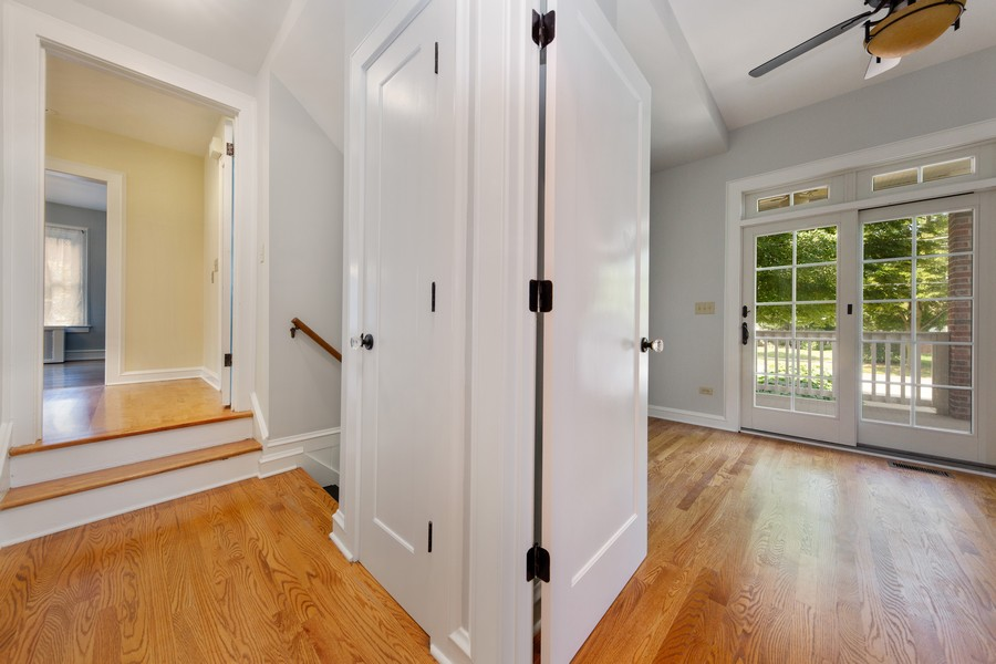 Real Estate Photography - 285 N Main St, Glen Ellyn, IL, 60137 - Hallway.  Transitional area from main living space
