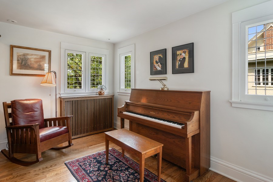 Real Estate Photography - 540 Linden, Oak Park, IL, 60302 - Music Room