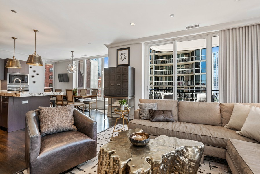Real Estate Photography - 10 E Delaware Pl, 14D, Chicago, IL, 60611 - Great room