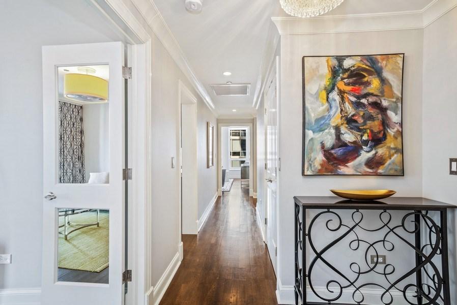 Real Estate Photography - 10 E Delaware Pl, 14D, Chicago, IL, 60611 - Foyer