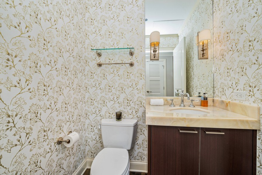 Real Estate Photography - 10 E Delaware Pl, 14D, Chicago, IL, 60611 - 2nd Bathroom