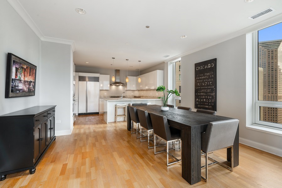 Real Estate Photography - 10 E Delaware Pl, 27B, Chicago, IL, 60611 - Kitchen / Dining Room
