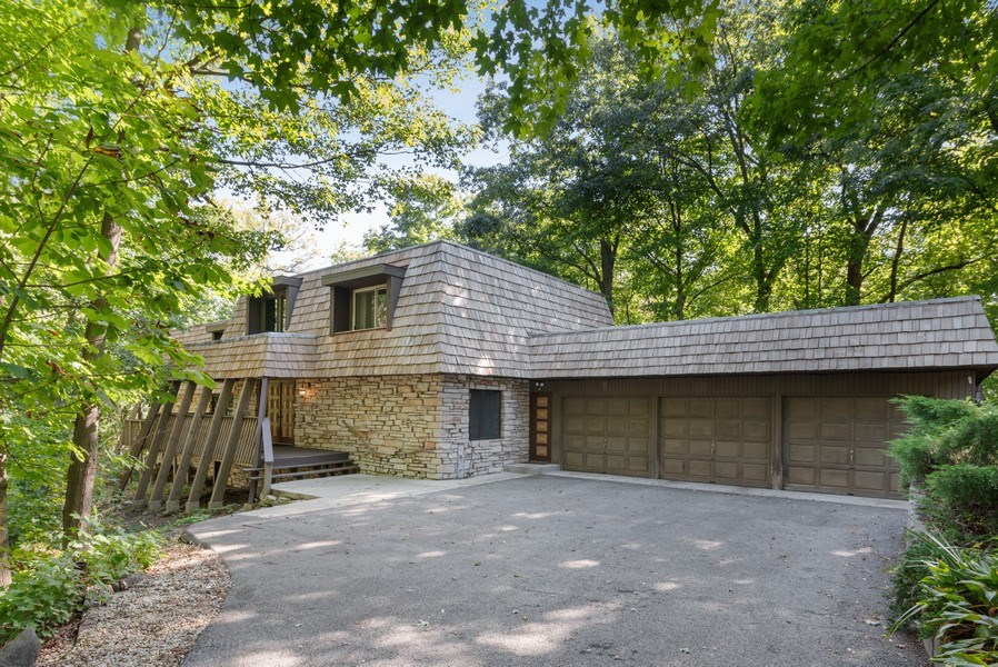 Real Estate Photography - 32433 N. Forest Dr., Grayslake, IL, 60030 - 1.1 Acres * Stone & Cedar Shingled