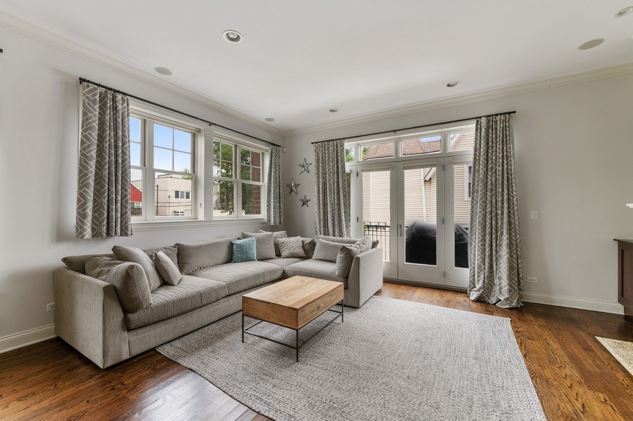 Real Estate Photography - 2060 N. Stave, #1, Chicago, IL, 60647 - Living Room