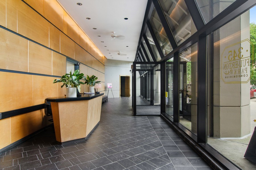 Real Estate Photography - 345 w. fullerton #2204, Chicago, IL, 60614 - Lobby