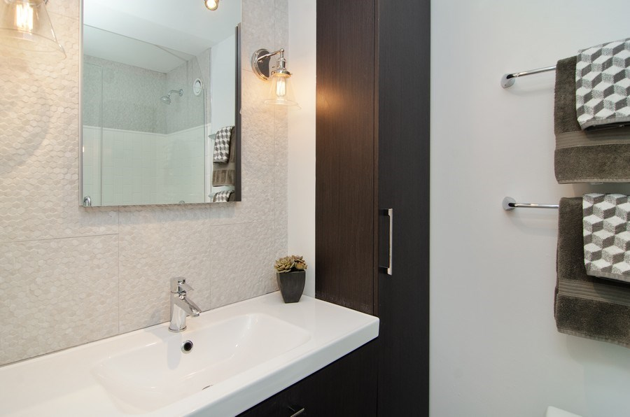 Real Estate Photography - 345 w. fullerton #2204, Chicago, IL, 60614 - Master Bathroom