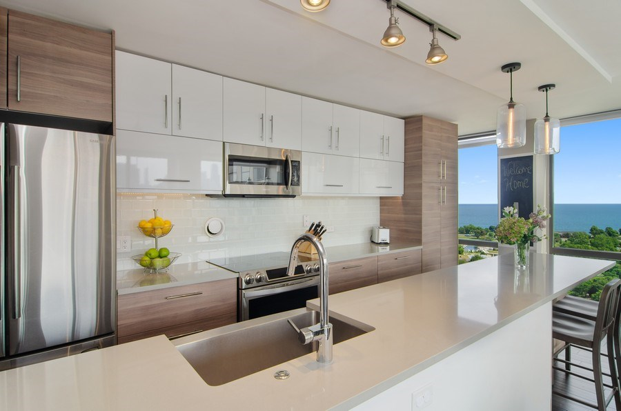Real Estate Photography - 345 w. fullerton #2204, Chicago, IL, 60614 - Kitchen