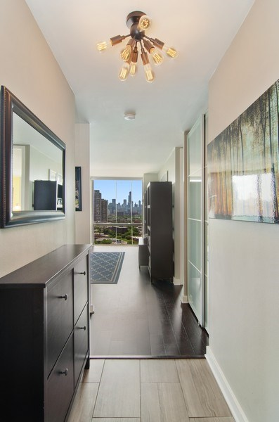 Real Estate Photography - 345 w. fullerton #2204, Chicago, IL, 60614 - Foyer
